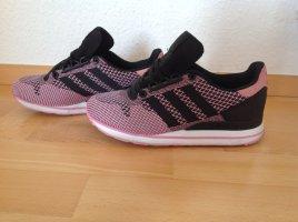 Adidas Sneaker in der Farbe schwarz mit rosa in Größe 36 2/3