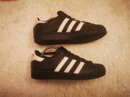 Adidas Sneaker, Turnschuhe