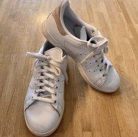 adidas stan smith Basket à lacet blanc-vieux rose