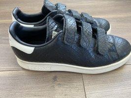 Adidas Sneaker con strappi nero-bianco sporco
