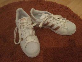 Adidas Sznurowane trampki biały-piaskowy brąz Skóra