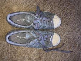 Adidas Superstars Gr. 37
