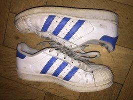 Adidas Originals Sznurowane trampki biały-niebieski neonowy