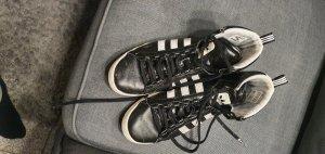 Adidas Turnschuhe in schwarz/weiss Gr. 38 2/3