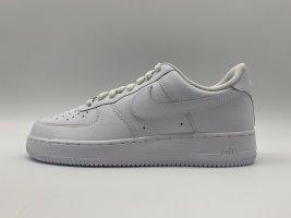 "Air Force 1 07 ""triple white"" Size 39-42"