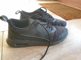 airmax thea all black