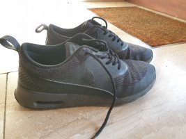 airmax thea all black
