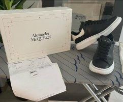 Alexander McQueen Sneakresy na obcasie czarny-biały