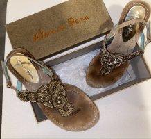 Almaer Pera - Hochwertige Verarbeitung- Boutique-Schuh aus Leder mit Perlen  - Sandale - Flipflop