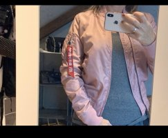 Alpha Industries Bomberjack roze