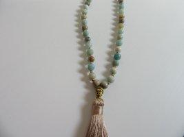 Collier de perles gris vert-beige clair