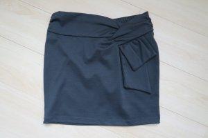 AMISU dunkelgrüner Minirock mit Zierschleife Gr. 36