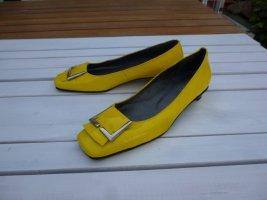 Andrea Conti Gesp-pumps geel