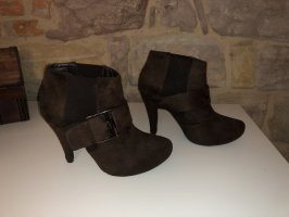 Laura Scott Ankle Boots brown