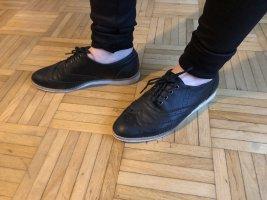 Anzug Sneaker