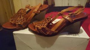 Apart Comfortabele sandalen bruin