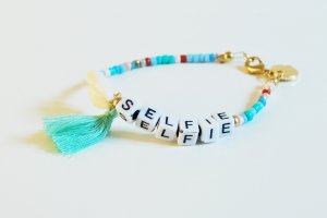 Shell Necklace light blue