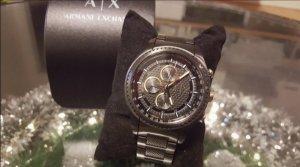 Armani Exchange Montre avec bracelet métallique noir