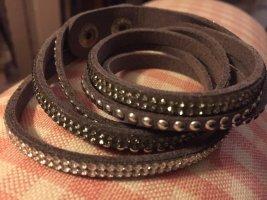 Bracelet en cuir argenté