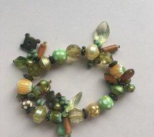 Bracelet à breloques vert gazon