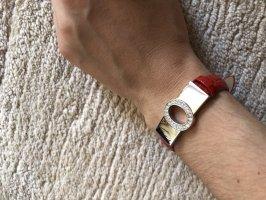 Armband mit rotem Band