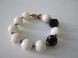Armband mit weißer Koralle und dunkellila Glasperlen Unikat handmade
