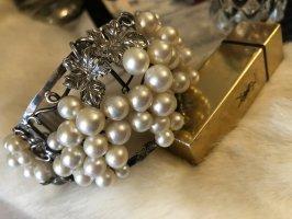 Bransoletka złoto-w kolorze białej wełny