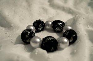 Armband Perlen Spitze Gothic Edel