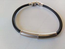 Armband von Morellato schwarzes Lederband mit Steel mit der Gravur Kiss me