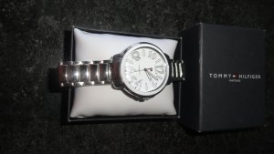 Tommy Hilfiger Watch With Metal Strap silver-colored-white