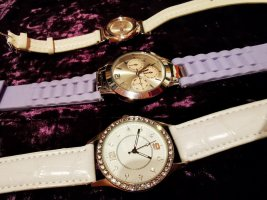 Vogue Watch With Leather Strap white-mauve