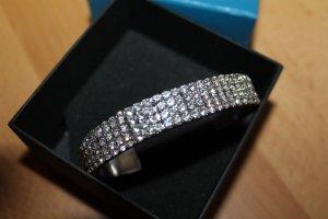 Armreif mit Strass Kristallen aus dem Hause Madeleine