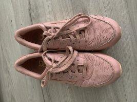 Asics Basket à lacet or rose tissu mixte