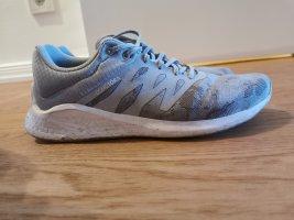 Asics Basket à lacet argenté-gris clair