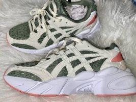 Asics Sneakers met hak beige-groen
