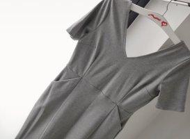 Asos Midi Kleid mit Peplum