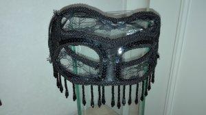 Ausgefallene Maske aus Spitze