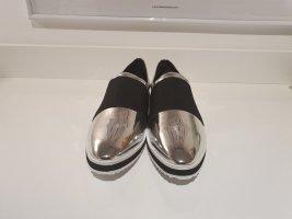 Ausgefallene Slipper von Karl Lagerfeld