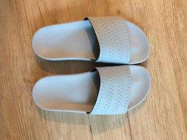 Adidas Sloffen babyblauw-azuur