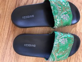 H&M Divided Sabot nero-verde