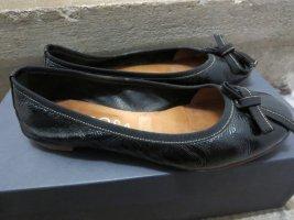 Ballerina schwarz Glanz-Optik Schleife