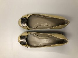 Burberry Patent Leather Ballerinas gold-colored