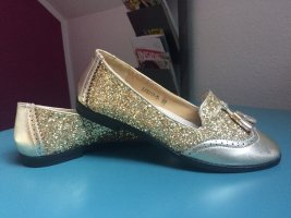 Ballerinas in Gold