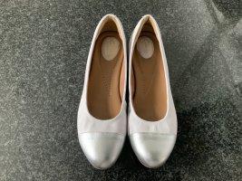 Ballerinas von Clarks Gr.10/41getragen