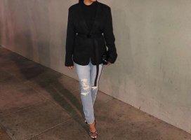 Basic Blazer in Black