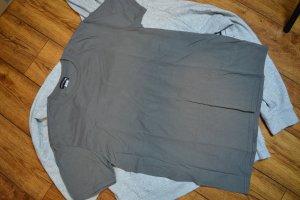 Basic T-Shirt 40 Pretty Little Think