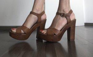 Bata Sandales à talons hauts et plateforme brun