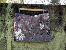 Batik/Graffiti Style Mini-Rock von Dept