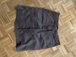 Falda estilo cargo taupe
