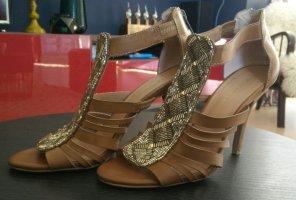 BCBG High Heel Sandal multicolored